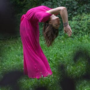 Długa Różowa Sukienka Mocy Anna Protas Fot: Daria Olzacka, Wizaż: Justyna Lunar Make Up, Mod: Kasia Raw