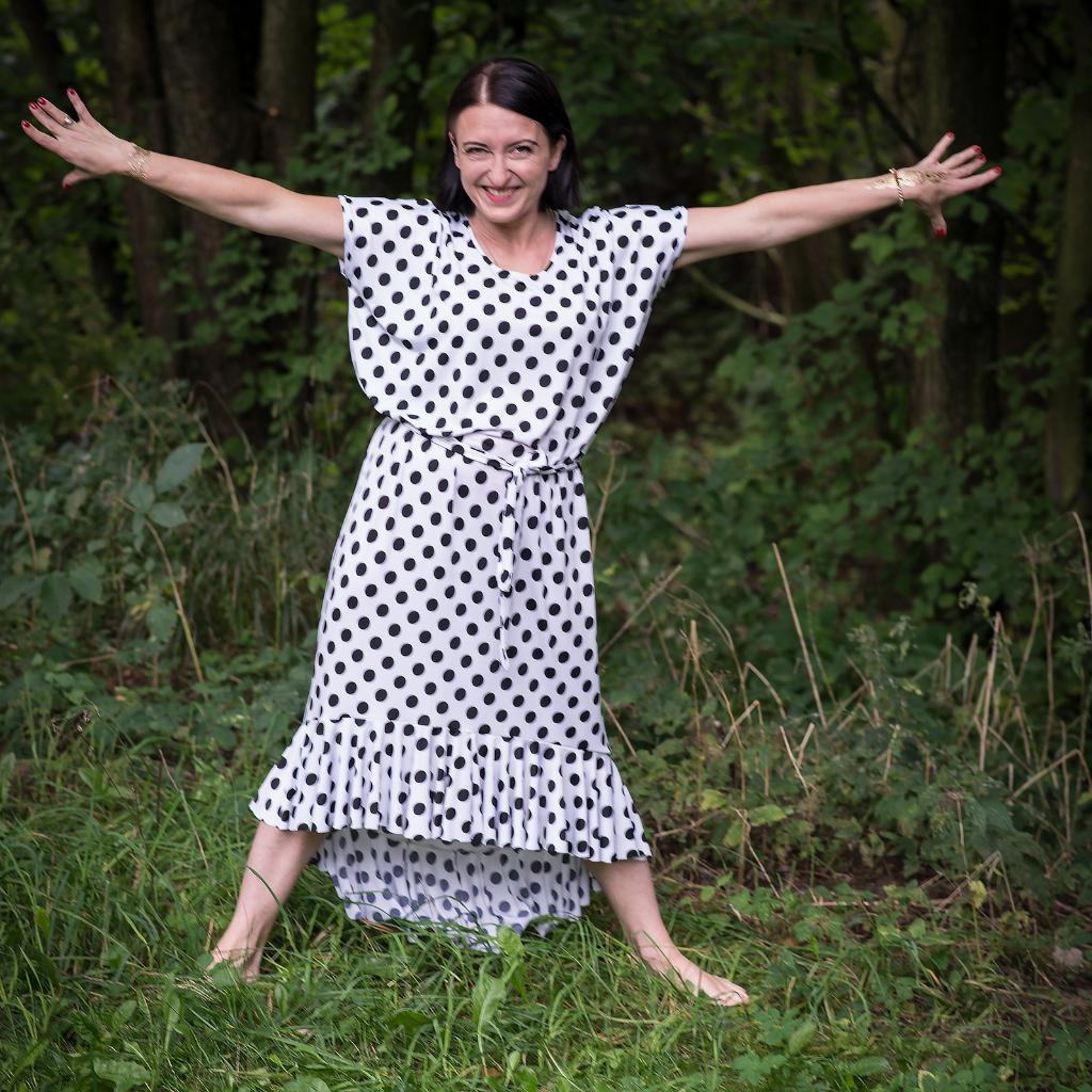 c78d3c087d Biało Czarna Sukienka w Grochy z Falbanami  DajęIPrzyjmuję ...